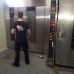 Limpieza industrial en madrid profesional Serlingo