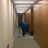 Limpieza de oficinas y pasillos