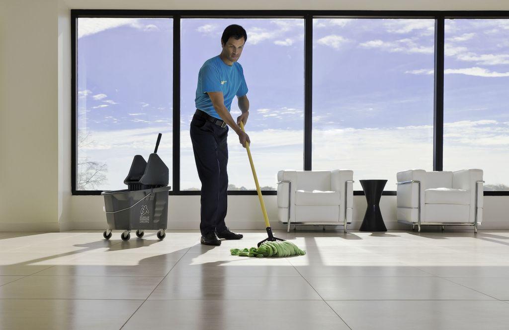 contratar una limpiadora